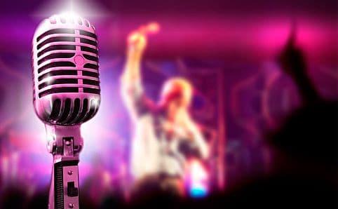 Karaoke with Bohemian Rhapshody at Ras Al Khaimah