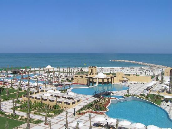 Fall head over heels into hilton ras al khaimah beach resort this valentine's day